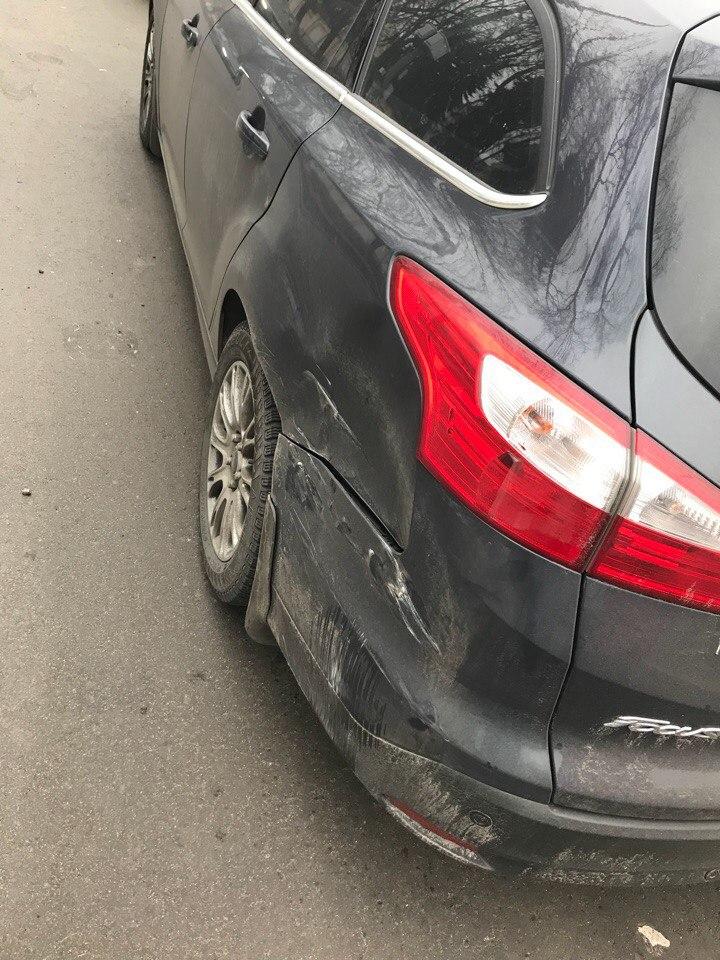 Форд Фокус. ремонт крыла. Состояние ДО