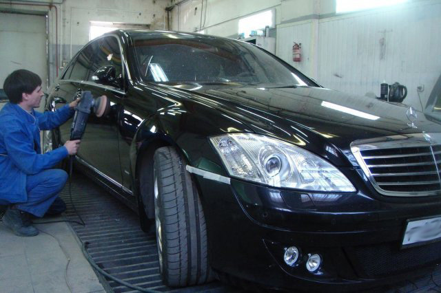 Mercedes Benz 500 после ремонта, окраски и полировки кузова